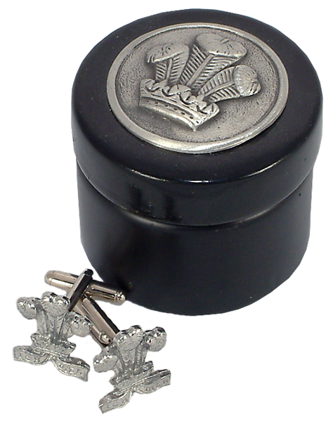 Prince Of Wales Feathers Cufflinks In Wooden Box